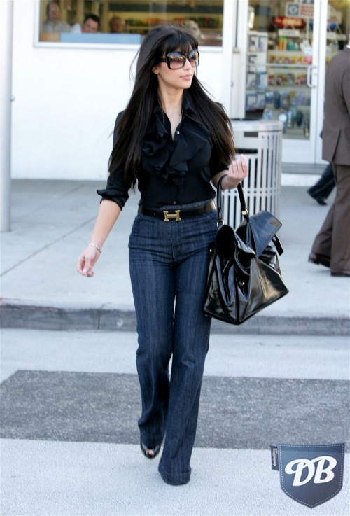kim-kardashian-anlo-drew-trousers-handbag