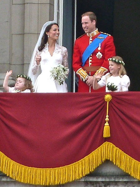 kate and william on balcony