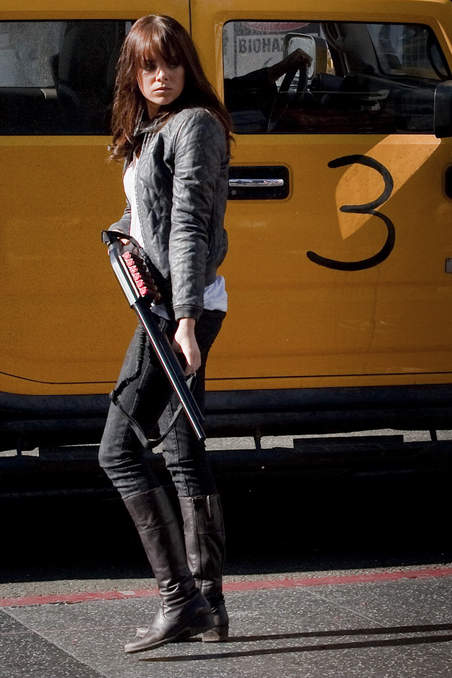 which r ur favourite heros/characters? Emma-stone-hot-zombieland