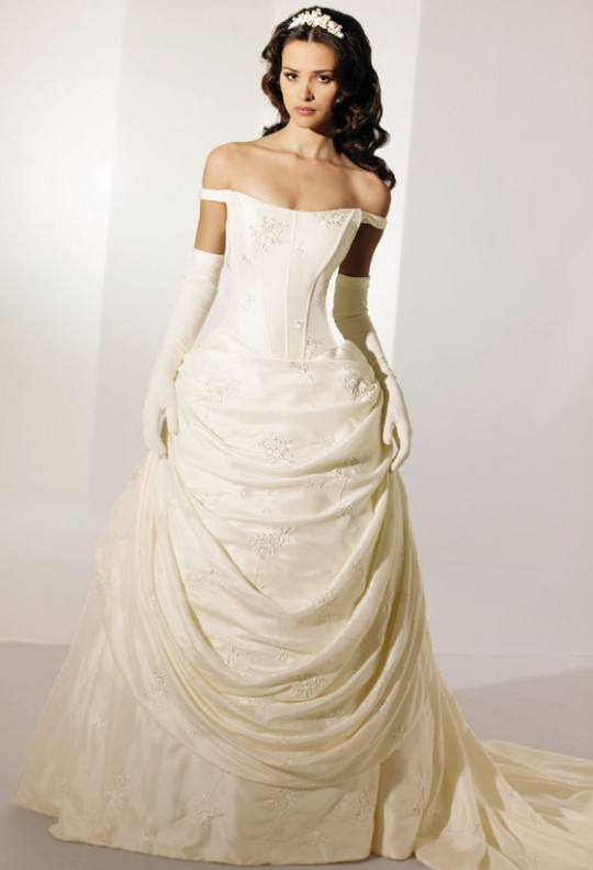 Modern Irish Wedding Dresses : Looks very beautiful wedding dresses