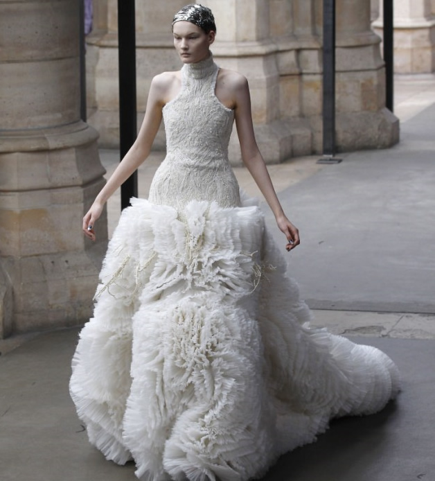 Beautiful wedding dresses white wedding gown wedding dress for Classic white wedding dress