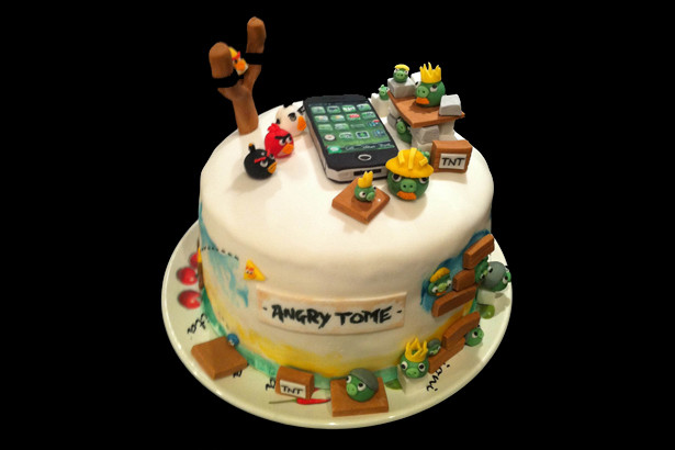 Pictures Of Angry Birds Birthday Cakes : new-angry-birds-birthday-cake - 3938 - The Wondrous Pics