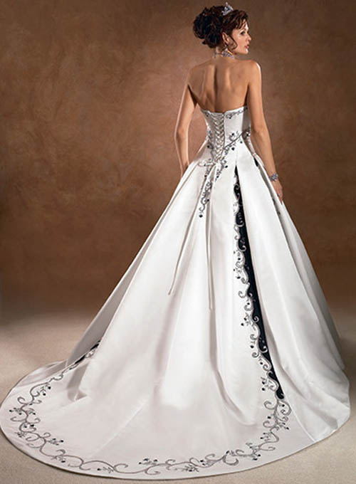Perfect Wedding Dresses with Color 500 x 680 · 59 kB · jpeg
