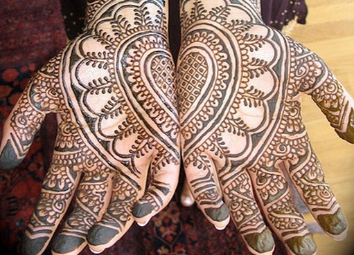 Bridal-Beautiful-Mehndi-Designs-Hand-and-Feet11