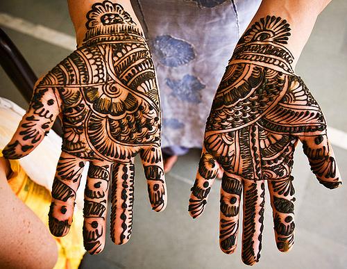 bridal-mehndi-designs-for-hands-10
