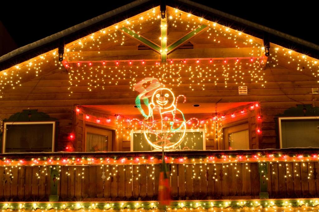 Outdoor-Christmas-Decorating-Ideas22