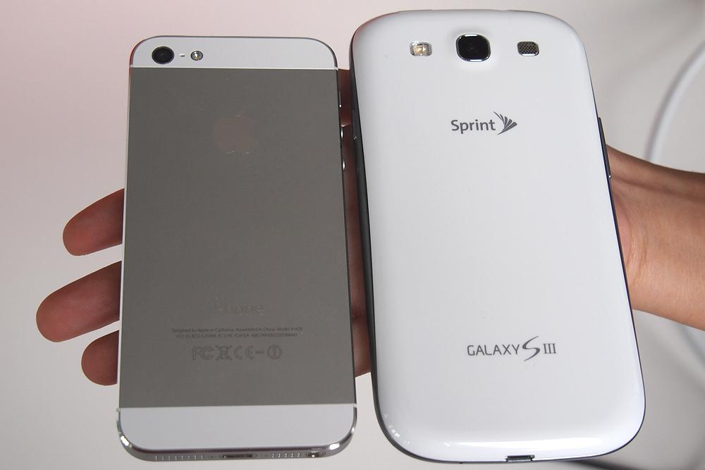 iPhone-5-vs-Galaxy-S3-backIphone 6 Vs Galaxy S3 Size