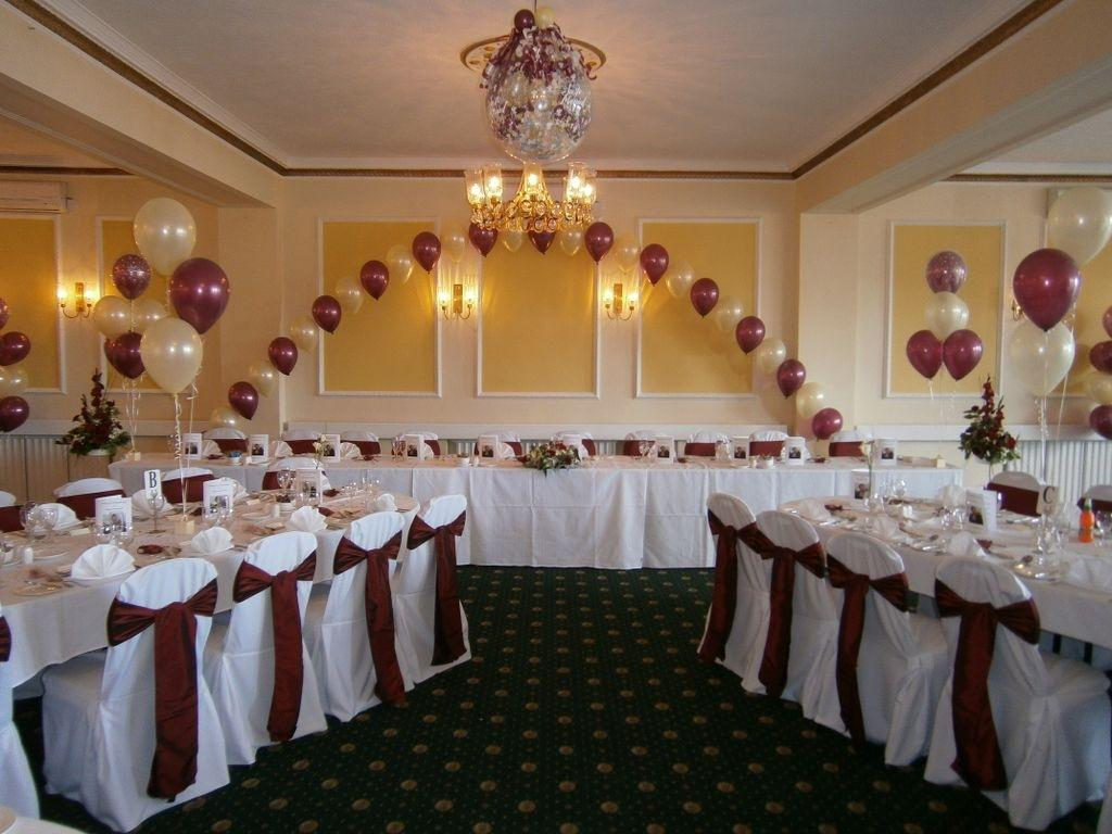 Balloon wedding decoration ideas party favors ideas for Pictures of wedding venues decorated