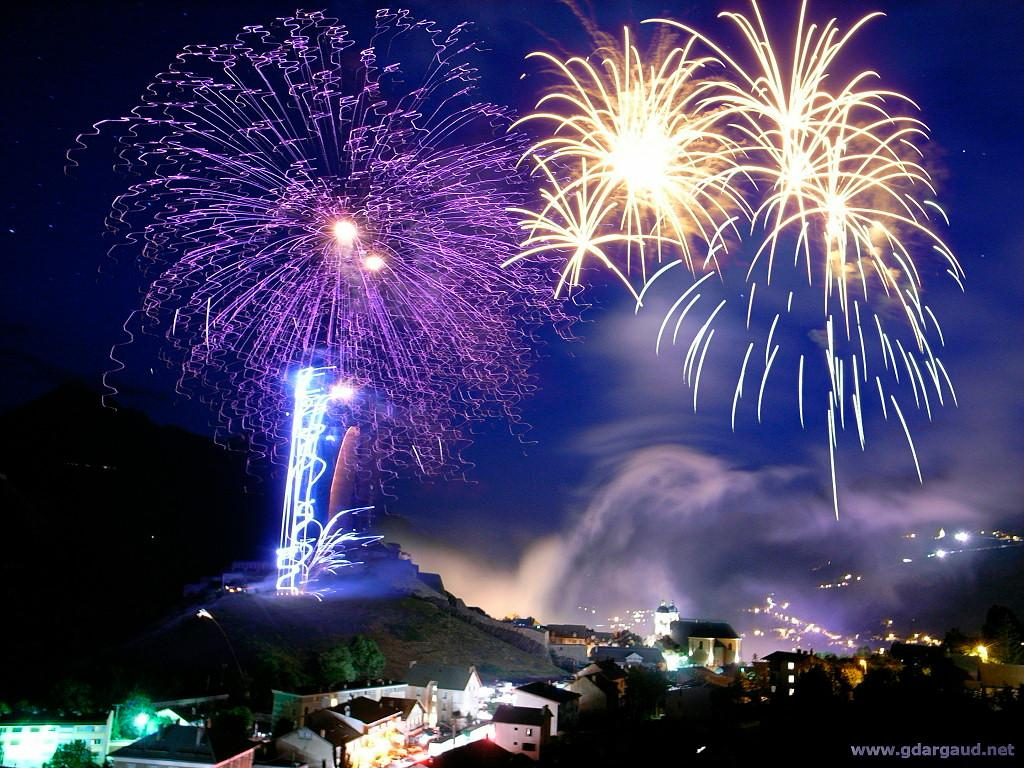 New_Year_Fireworks_wallpapers_2013 - 7837 - The Wondrous Pics