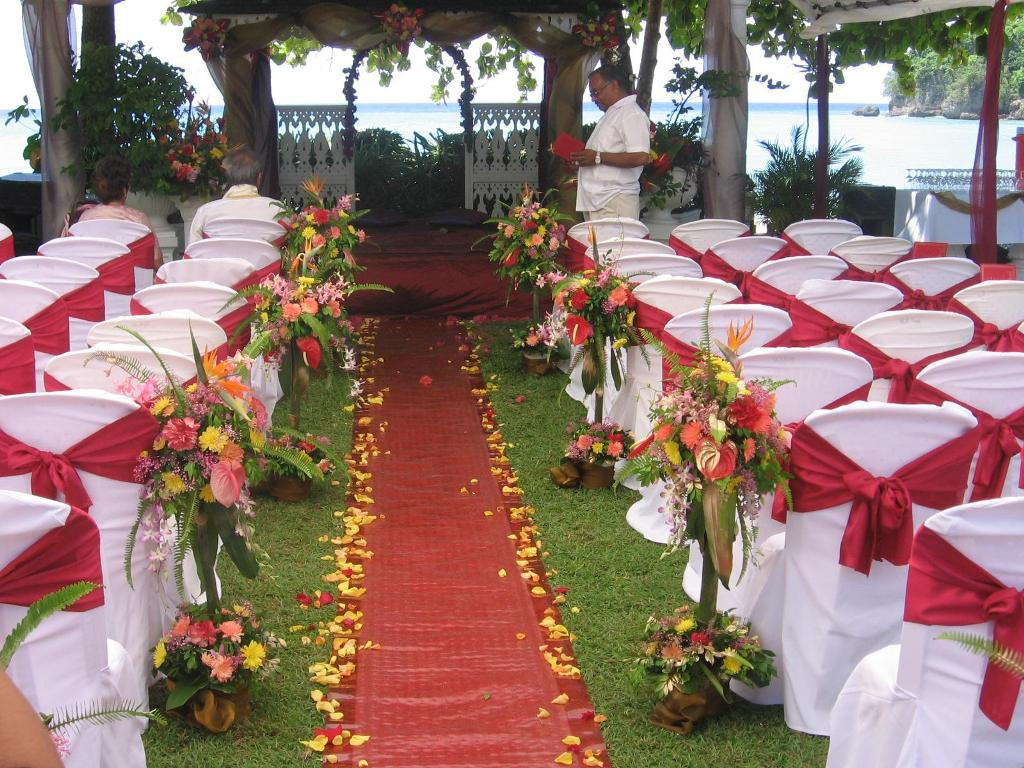 Outdoor wedding decoration ideas 5 8020 the wondrous for Wedding venue decoration ideas pictures
