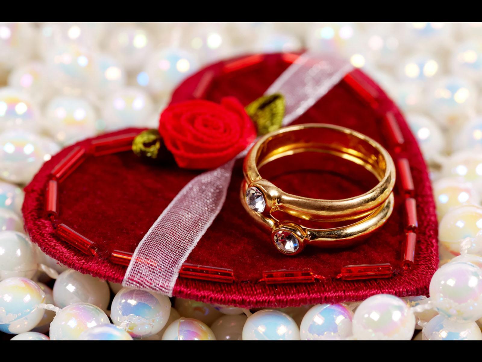 http://wondrouspics.com/wp-content/uploads/2013/02/valentines-day-gifts-13.jpg