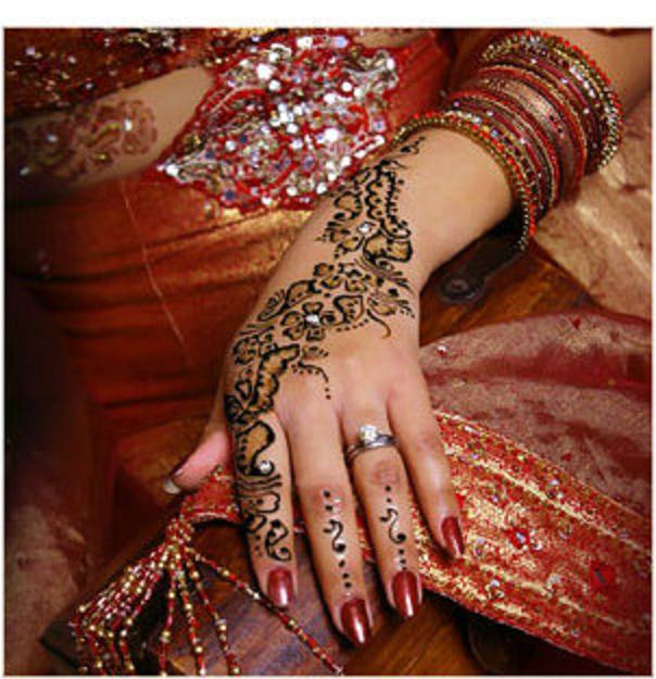 Stylish Mhendi Designs 2013 Pics Photos Pictures Images Arabic Henna Designs For Hands Henna ...