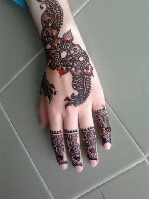 Latest-Mehndi-Designs-for-Eid-2015-2