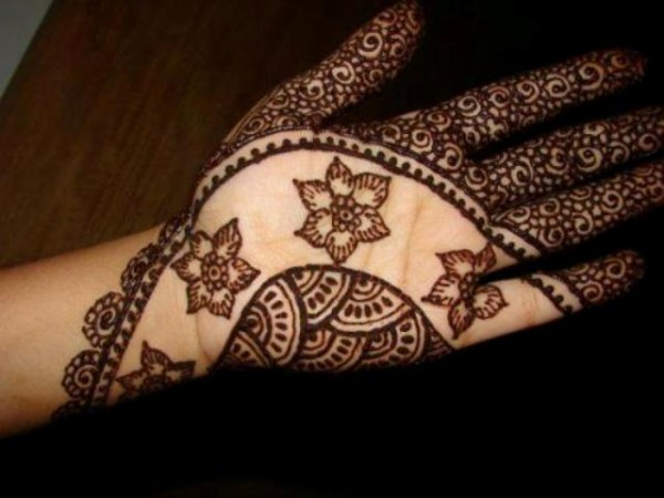 Nice-Mehndi-Designs-For-Eid-1-600x450