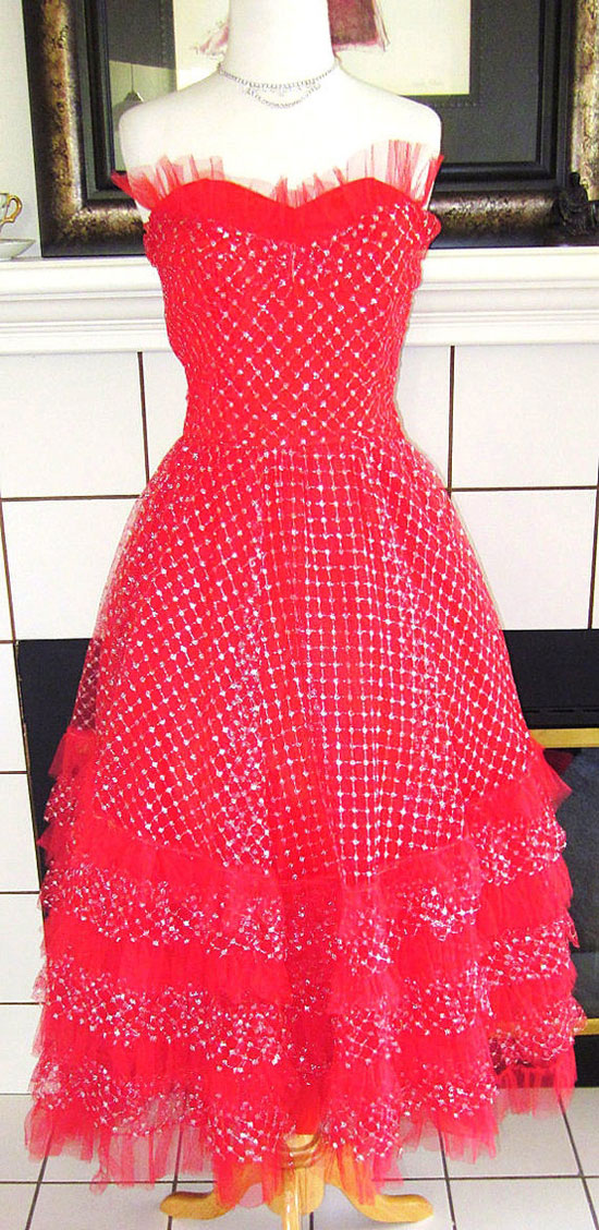 20-Best-Christmas-Dresses-Costumes-Outfit-Ideas-2012-For-Teen-Girls-Women-6