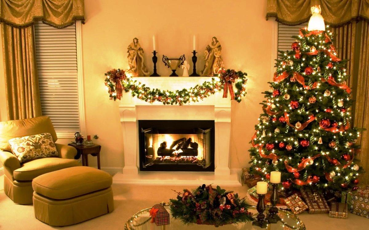 Beautiful-Christmas-Tree-Decorating-2015