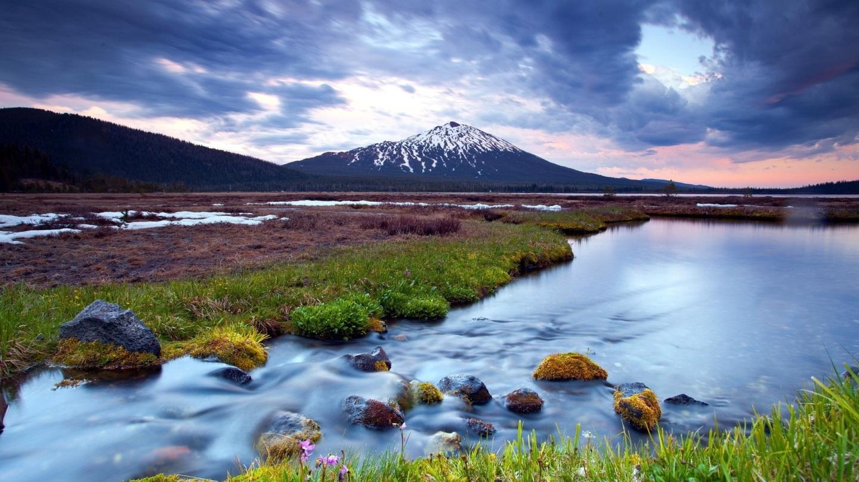amazing-cloudy-landscape-nature